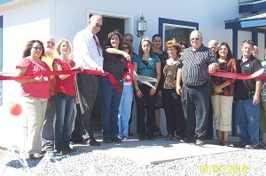 Deming-First-Time-Home-Buyers-Ribbon-Cutting-300x198.jpg
